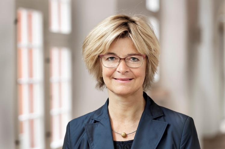 Claudia Mennen